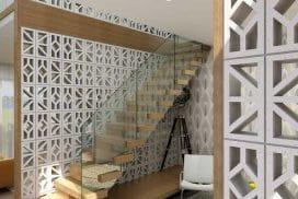 dinding roster beton minimalis